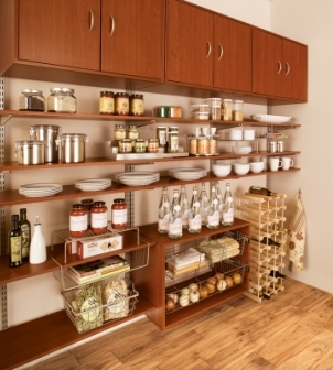 Schulte freedomRail pantry in cherry